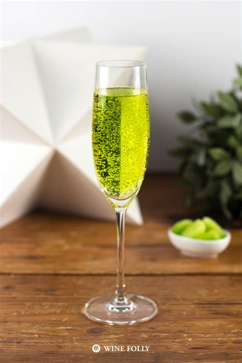 4 Green Wine Cocktails For St